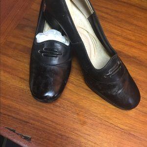 Vintage 1940's Black mid heel